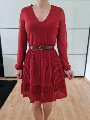 Asos Robe mi-longue rouge-bordeau