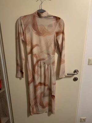Asos rückenfreies Kleid