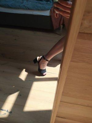 Asos Sandalen mit Absatz Highheels Pumps Sandaletten