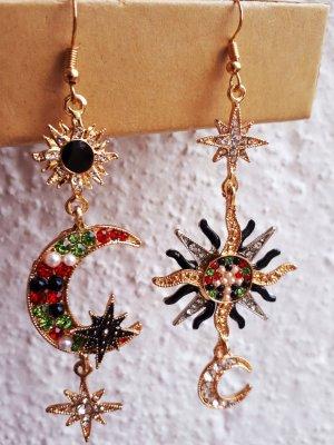 "Asymmetrische Celestial Boho Ohrringe ""Mond und Stern"" in Bunt - Goldene Farbe"