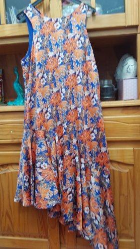 Asymmetrisches Sommerkleid