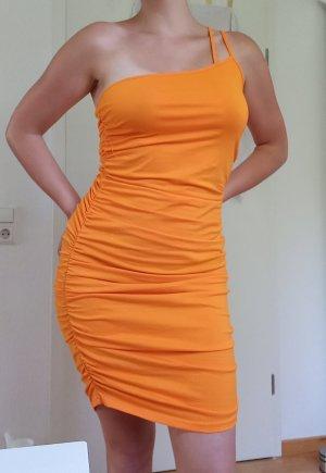 asymmetrisches Sommerkleid mit Raffung