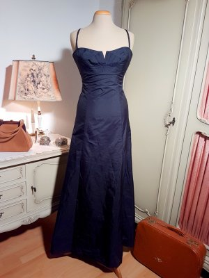 Atemberaubendes Abendkleid mit skandalösem Dekolleté