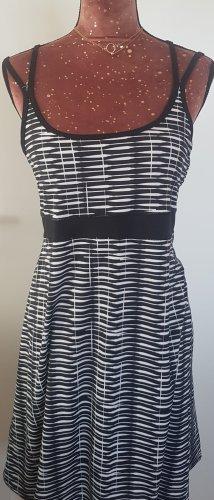 Athletic Kleid (L) mit eingebautem BH von Lola by AFG