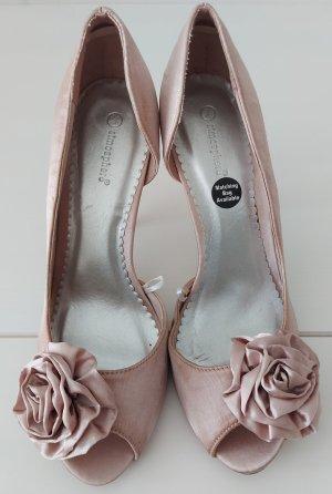 Atmosphere high heels