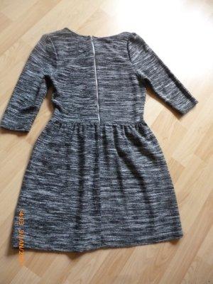 ATMOSPHERE Kleid gr 36 schwarz-weiß Feinstrick TOP ZUSTAND,wenig angehabt