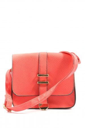 Atmosphere Minibolso rojo look casual