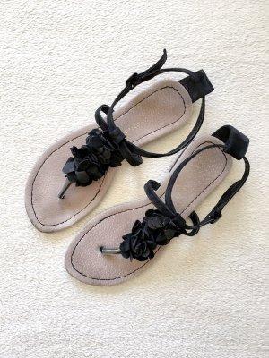 Atmosphere Toe-Post sandals black