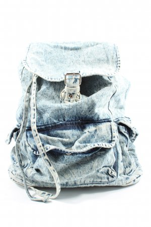 Atmosphere Daypack blue jeans look