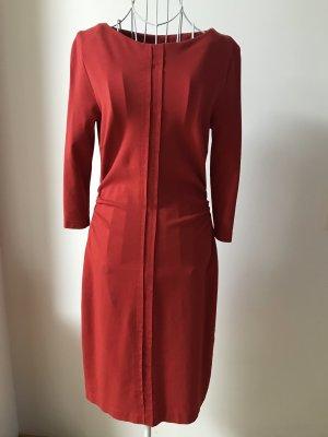 Attraktives rotes Kleid, figurbetont, 38, s. Oliver selection
