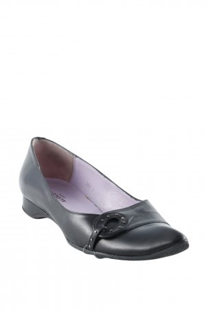 Audley Ballerinas with Toecap black casual look