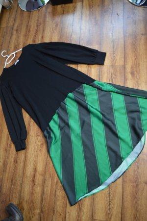Auffälliges neues Zara Kleidchen Gr. 42