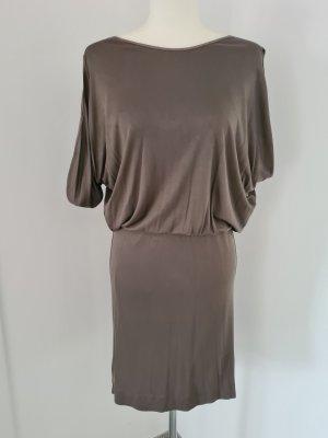 Auffallendes Kleid von Dorothee Schumacher
