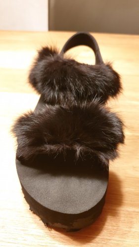 Aufgepimpte Sandalen von Divided, Größe 37, schwarz, 1 x getragen