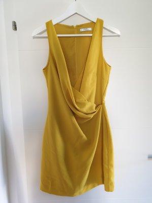 aufregendes Mango Kleid