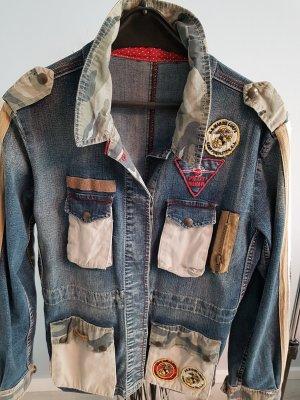 ausgefallene Jeansjacke