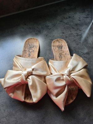 Ausgefallene Pantoletten von Ella Cruz  in Gr. 36 mit Schleifen wie neu