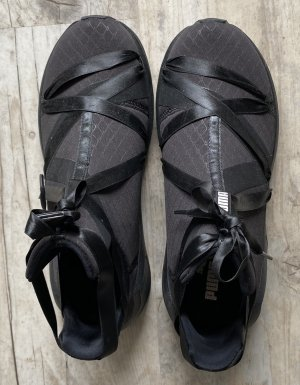 Puma Lace-Up Sneaker black