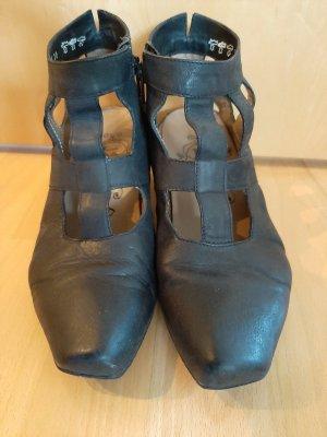 Ausgefallene schwarze Schuhe von Think Gr. 38