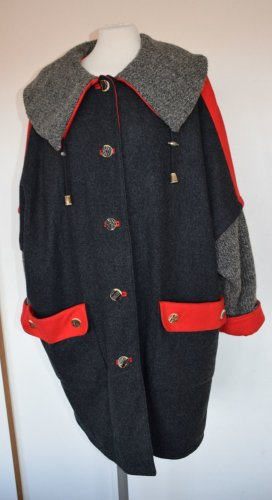 Ausgefallene Trachten Mantel Jacke Parka aus Wolle