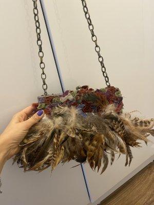 Ausgefallene Zara Tasche mit Federn