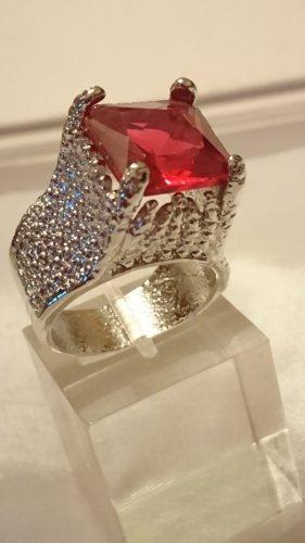 Ausgefallener Silber rhodinierter Ring mit Saphir rotem Stein Gr.20