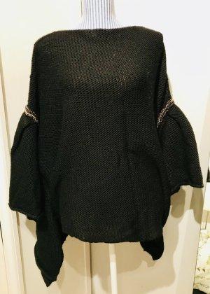 Ausgefallener Strick-Pullover mit Deko-Steinen