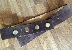 Ausgefallener Vintage Wildleder-Gürtel mit goldenen Beschlägen