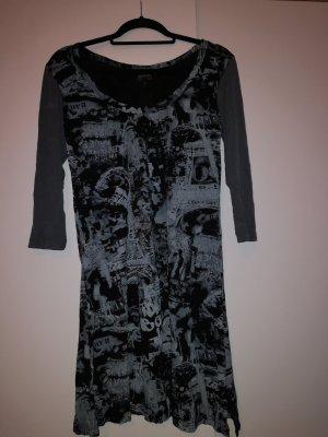 Ausgefallenes Kleid
