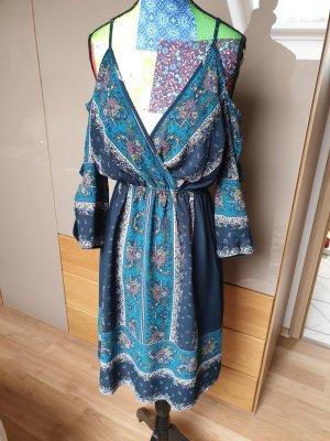 ausgefallenes Kleid mit Muster