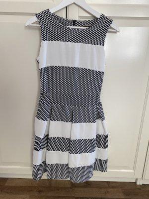 The Hackbarth's vestido de globo negro-blanco