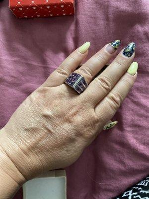 Außergewöhnlich/Cocktail Ring mit Amethyst Steine