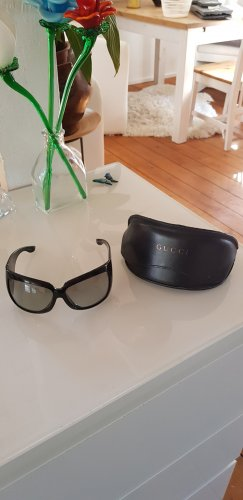 Gucci Occhiale da sole spigoloso nero