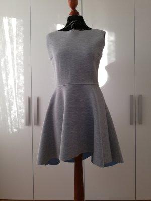 Souvenir Asymetryczna sukienka jasnoszary-błękitny
