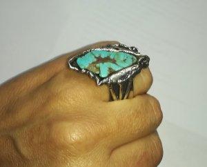 Außergewöhnlicher Ring, kunstvoll, Handarbeit aus Indien, indisches Silber, türkiser Stein, Halbedelstein (Howlith), sehr effektvoll, 17 mm Durchmesser (Gr. 54)