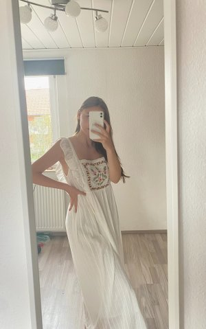 Ausverkauftes Zara Kleid