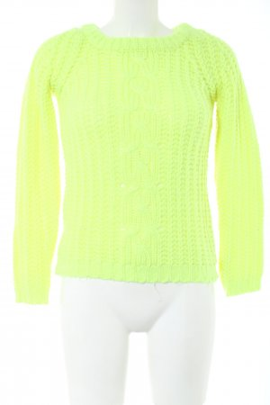 Avant Première Knitted Sweater green cable stitch casual look