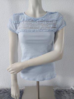 Babyblaues T-shirt