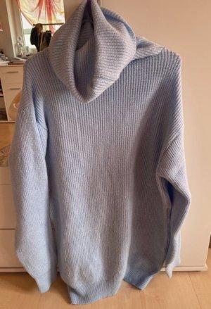 Vestito di lana azzurro-celeste