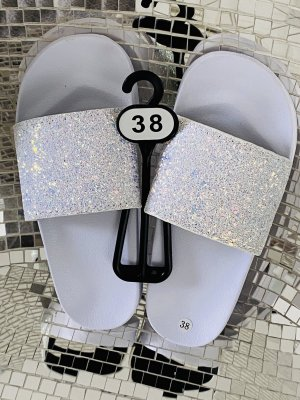 Flip-Flop Sandals white