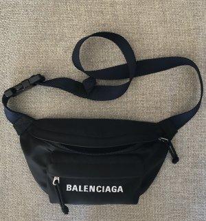 Balenciaga Bauchtasche