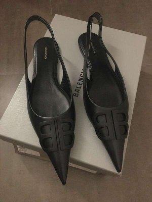 Balenciaga Ballerine en pointe noir cuir