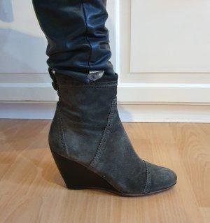 Balenciaga Wedge Boots aus Veloursleder suede blogger Boho Bohemian Ibiza city Budapester