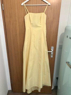 Ball Dress pale yellow-yellow