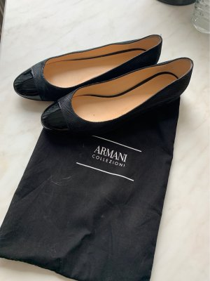 Armani Collezioni Ballerines en cuir verni noir