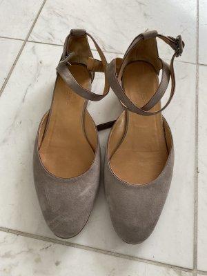 Hermès Ballerines à lacets taupe-bronze