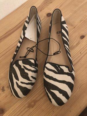Ballerina mit Zebra-Muster