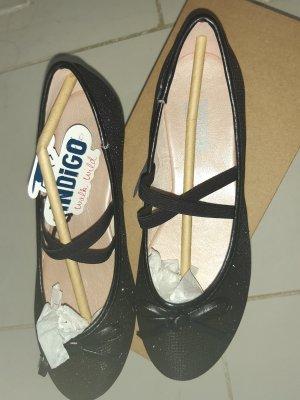 INDIGO Ballerines à lacets noir