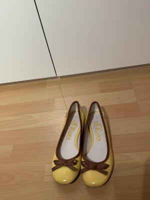 s.Oliver Lakleren ballerina's geel