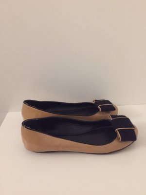 Moschino Cheap and Chic Patent Leather Ballerinas black-camel